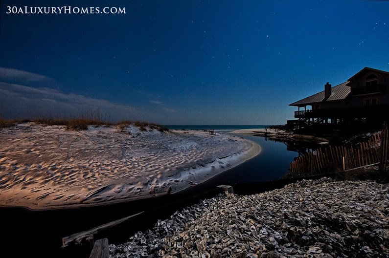 If you want to be near nature and experience its beauty and serenity each day, then living in one of the 30A luxury homes for sale in Dune Allen could be your dream come true.